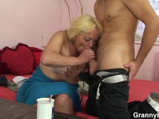 Young guy fucks her hairy old pussy