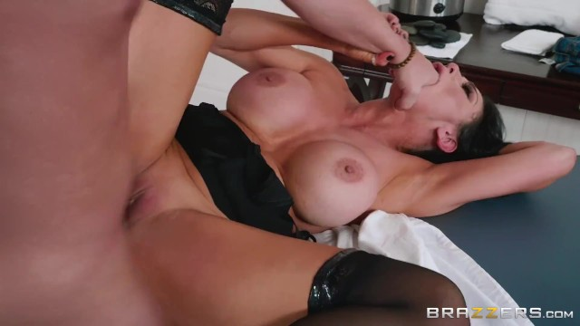 Brazzers - Horny Audrey Bitoni Has A Different Physical Therapy In Mind For ...