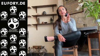 How to BDSM! Small Bondage Tape versus sticky tape!
