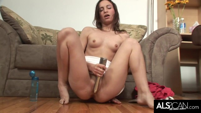 Raunchy Brunette Toys Herself to Multiple Squirting Orgasms 5