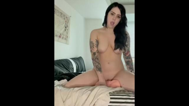 Amateur;Masturbation;Toys;Pussy Licking;Verified Amateurs;Solo Female;Female Orgasm;Vertical Video sex-doll, solo-female, female-masturbation