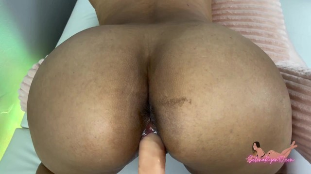Bubble Butt Latina Roommate Needs Your Dick - SelenaRyan