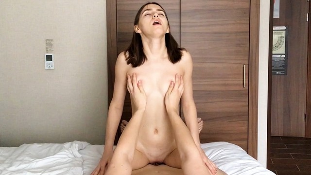 Hotel Staff Gave Me A Nice Present - Hot Bitch For Fucking