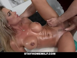 Gorgeous Milf Shalina Devine Gets Massage With Happy Ending