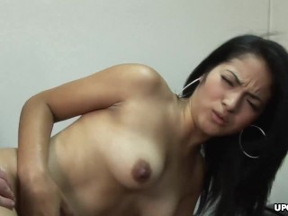Slutty brunette, Andrea Kelly really wants to get hired