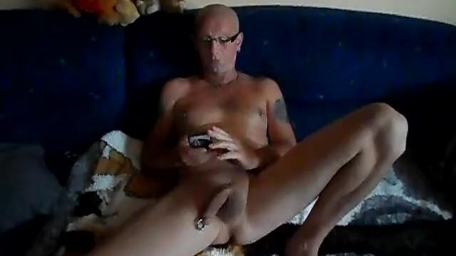 Nackt intim schmuck Nipple Piercing