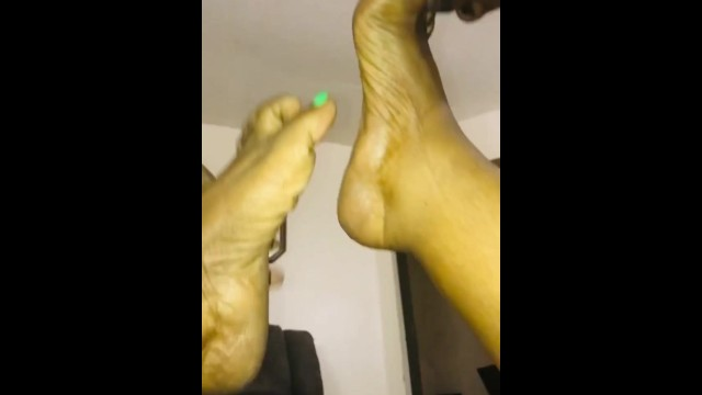 Bbw Wifey Open wide she give best sloppy toppy while I suck on her exotic feet soles & toes 7