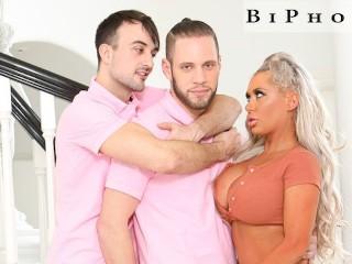 Gay pornstar fucks stepbrothers wife to practice straight...