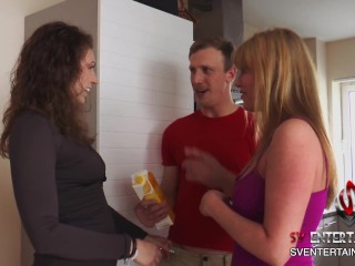 2 Milfs get their pussies licked and suck a cock to taste his load