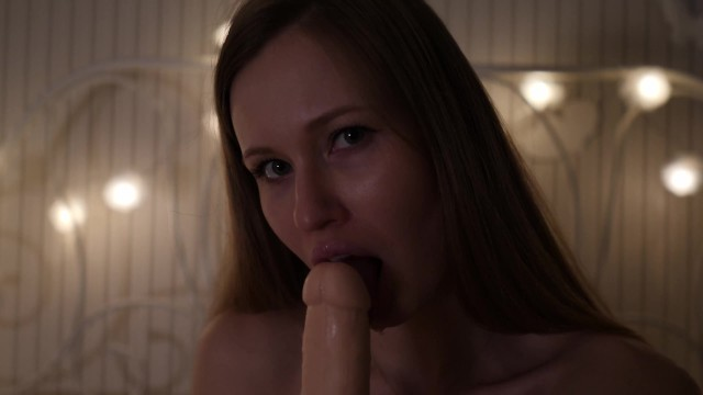 HOT GIRL PLAY WITH HER BIG BOOBS AND SPIT PLAY SUCKING DILDO