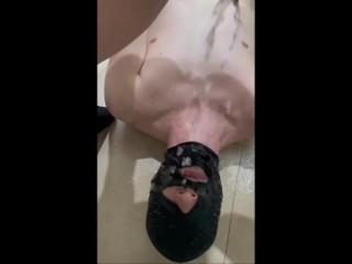 Pee one boy to lick my pussy jennyfer...