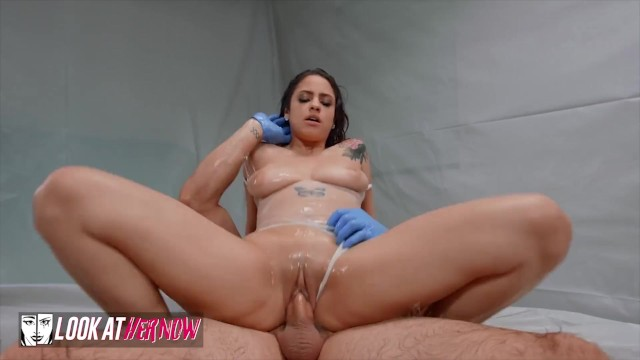Look At Her Now - Melody Foxx Shares Her Skin Routine While JMac Covers Her Curvaceous Body With Oil 8