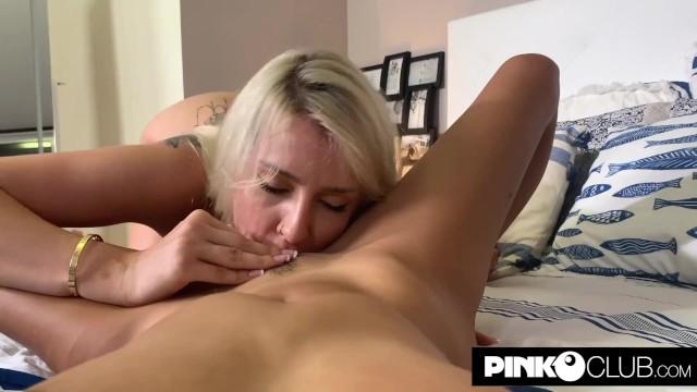 Filmato privato di Marica Chanelle con una sua amica lesbica 19