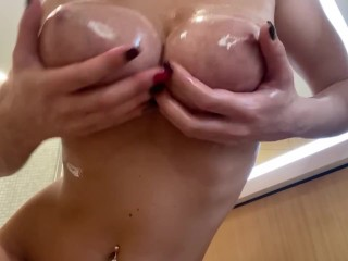 OILY BOOBS AND BOOTY💦