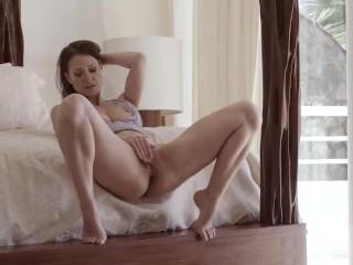 Melisa Mendini Teaser Happyness