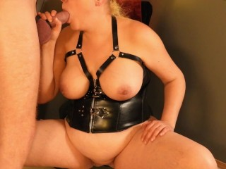 The Queen swallows her King's Sword – Milf gives deep blowjob