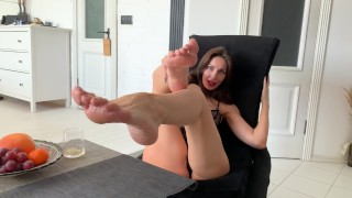 Hot Milf Liza Virgin wants to play with your dick