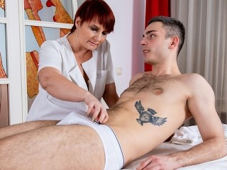 MATURE4K Arousing masseuse practices special techniques making it with guy