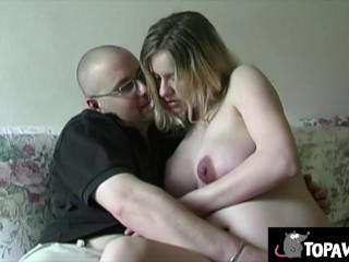 Svetlana si fa rompere il culo da incinta