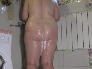 Mature BBW Milf Shower Voyeur