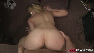 XXX PAWN - Weekend Store Crew Takes A Crack At Skyla Novae's Ass Crack