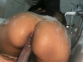 Of horny girlfriend is bathtub...
