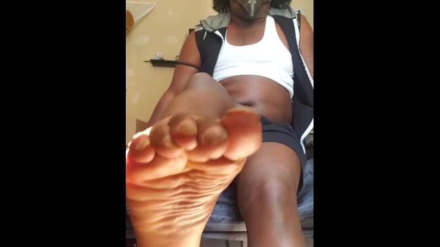 Ebony;Transgender;Feet;Verified Amateurs;Solo Trans;Vertical Video foot-fetish, foot-worship, amateur