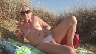 Secret Play on Beach - Outdoors quick cigarette and pussy feel in the sun xx