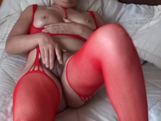Orgasms of mature mother furry and shows off...