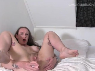 Girlfriend begs for anal...