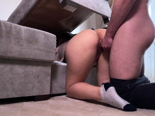 My roommate got stuck under the bed and fucked well in her tight pussy