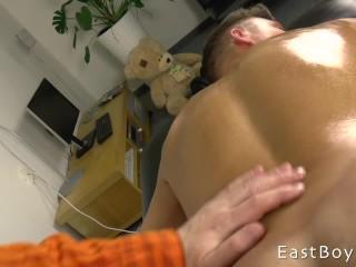 Martin Polnak – Flexing and Massage