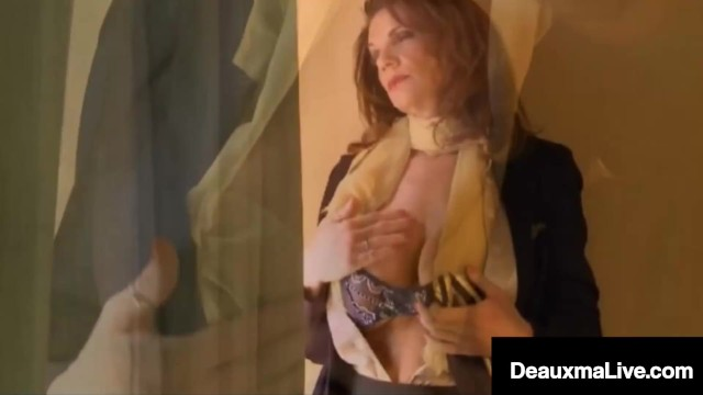 Flight Attendant Deauxma Rides A Cock In Ugly Airport Motel! 4
