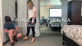 """""""Guess Who Had A Bad Day!"""" - Princess Vienna (Full Clip: 25m)"""