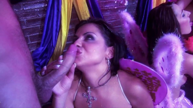 Two Busty Fairies With Big Tits And Perfect Pussy Lips Having Foursome With Humans 29