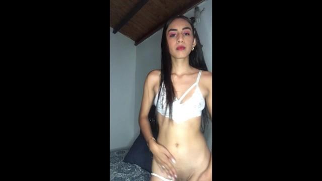 baila y se masturba su hermoso coño 12