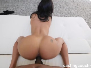 VERY hot COLOMBIAN girl willing to have sex to get job in rap video