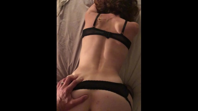 Amateur;Babe;Brunette;Reality;Small Tits;French;Verified Couples;Vertical Video plug-anal, doggy-style, levrette, brunette, big-dick, adult-toys, petite