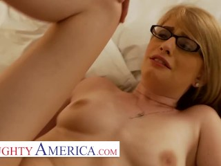 Naughty America – College hottie, Allie James, meets her sugardaddy and gets right do
