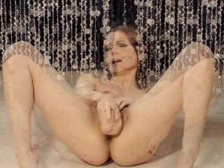Melisa Mendini Gold Teaser Time for Dildo