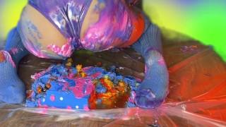 2,000 Follower Sploshing Cake Sitting, Farting and Food Play Celebration!
