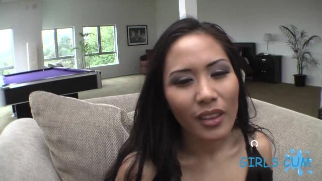 Jessica Bangkok and her wet orgasm 6
