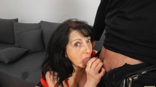 MATURE4K Passionate mature woman gives a blowjob and enjoys sex to the full