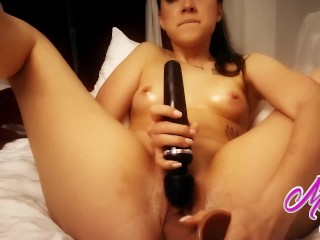 Cute girl fucked her dildo as soon as possible