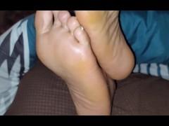 Pleasuring her soles *only fans @prettyfeet88