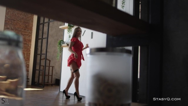 SmelyQ Petite Body In The Exclusive Video 12