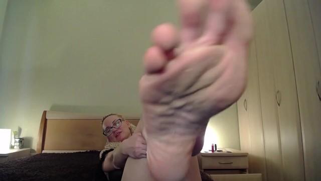 Dirty feet, clean them, bitch! 45