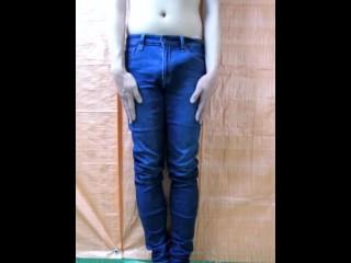 Japanese twink boy jerks off jeans...