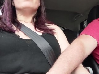 FINGERING THE WIFE WHILE DRIVING!!