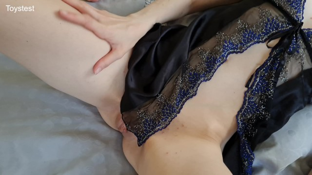 Crazy Wife puts Anal Beads inside Big Dildo and has a nice time 4k 60fps 16